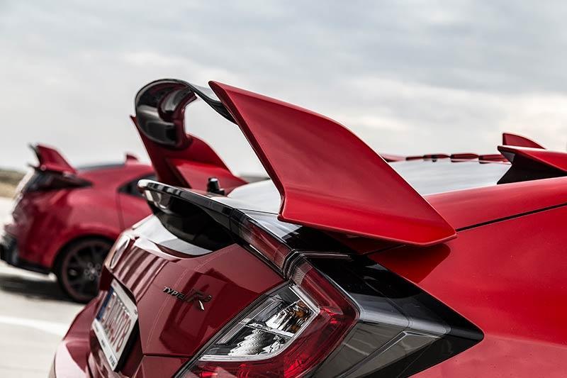 Details-Honda-Civic-Type-R-2017-14.jpg