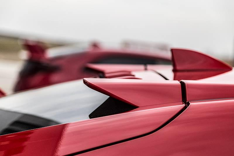 Details-Honda-Civic-Type-R-2017-15.jpg