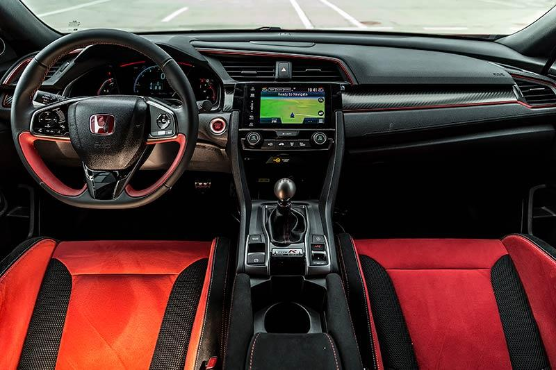 Details-Honda-Civic-Type-R-2017-16.jpg