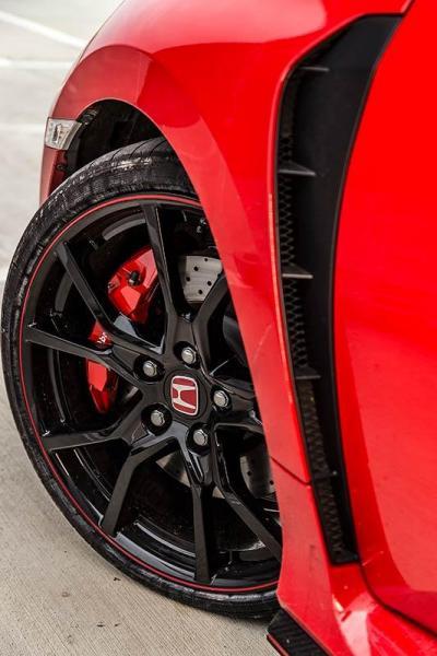 Details-Honda-Civic-Type-R-2017-6.jpg
