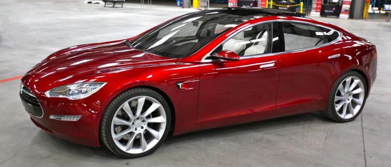 Tesla_Model_S_Indoors_trimmed.thumb.jpg.49c8e9195a082bcf7e36542e02e9ad2b.jpg